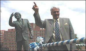 Bobby Robson statue